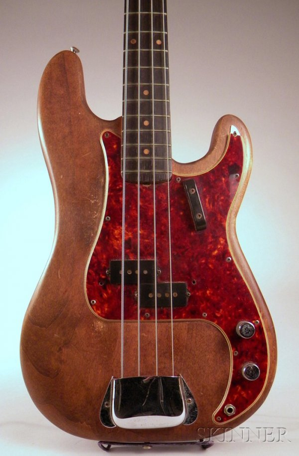 22: American Bass Guitar, Fender Electric Instruments,