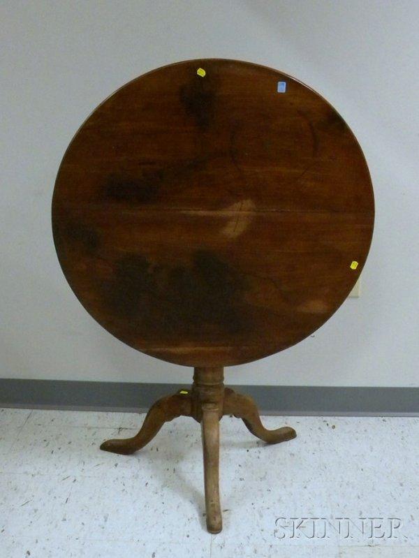 521: Chippendale Mahogany Tilt-top Tea Table, dia. 31 1