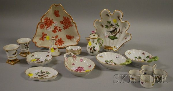 846: Eighteen Pieces of Assorted Herend Hand-painted Po