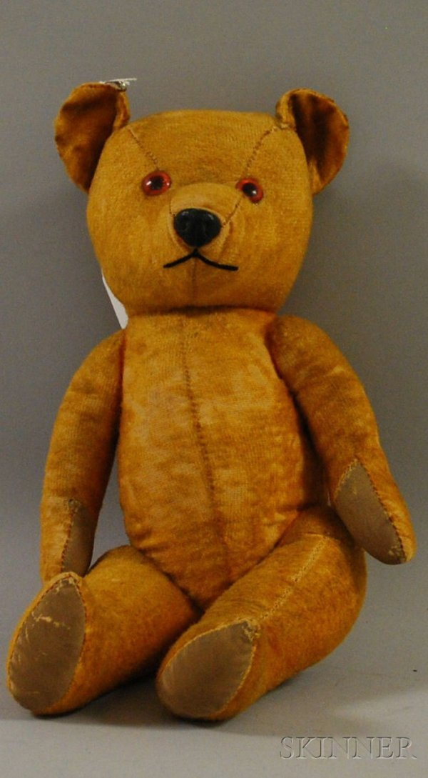 319: Early Wind-up Bear, possibly Steiff, plays music,