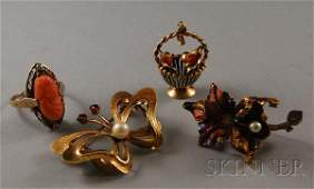 415: Four Gold Jewelry Items, an 18kt gold and pearl fl