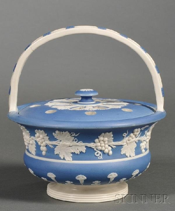 6: Spode Blue Dipped Stoneware Potpourri Basket and Cov