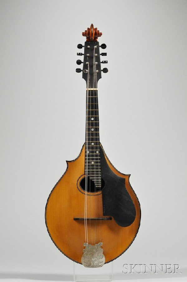 5: American Mandolin, Lyon and Healy, Chicago, c. 1925,