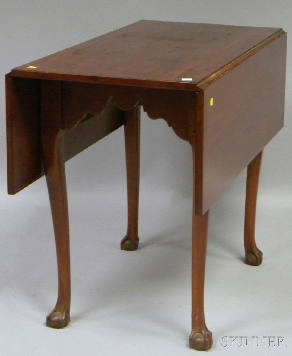515: Chippendale Carved Cherry Drop-leaf Table, ht. 27