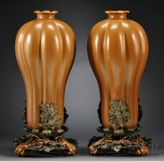 927: Pair of Lacquered Wood Gourd Vases, China, 18th ce