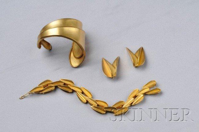 17: Group of Vintage Robert Lee Morris Jewelry Items, c