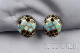 "18kt Gold, Opal, and Black Onyx ""Intarsia"" Earclip"