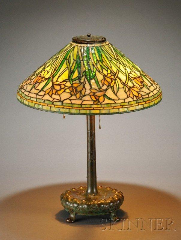 283: Tiffany Studios Daffodil Table Lamp Patinated bron
