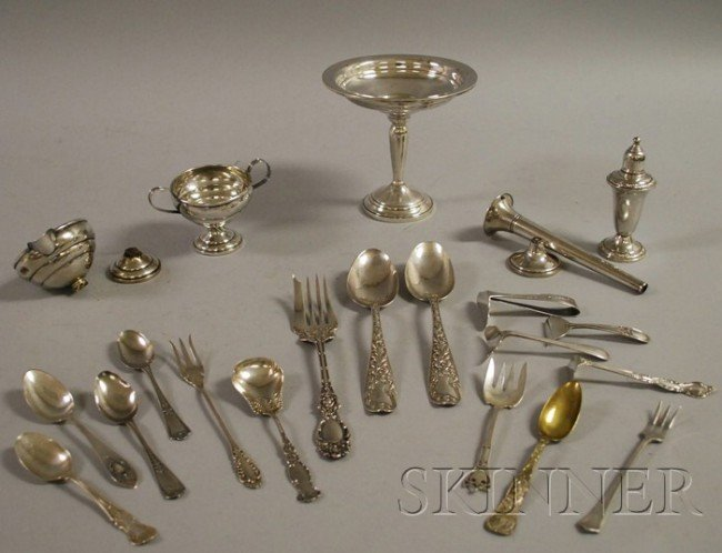 12: Group of Sterling Flatware and Serving Items, a wei