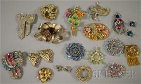 294: Small Group of Vintage Costume Brooches and Clips,