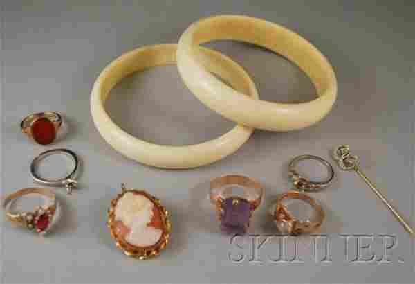 Small Group of Jewelry, including four 10kt gold a
