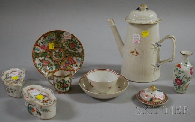 520: Eight Chinese Export Porcelain Table Items, a coff