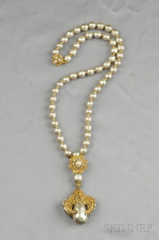 20: Gilded Metal and Imitation Pearl Necklace, Miriam H