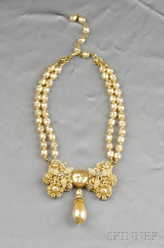 21: Gilded Metal and Imitation Pearl Necklace, Stanley