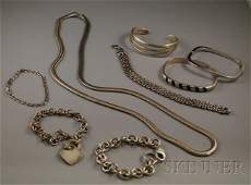 306 Small Group of Mostly Sterling Silver Jewelry inc