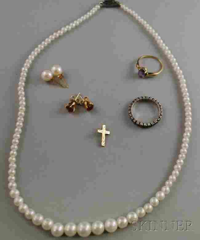 429: Group of Assorted Jewelry Items, including a sapph