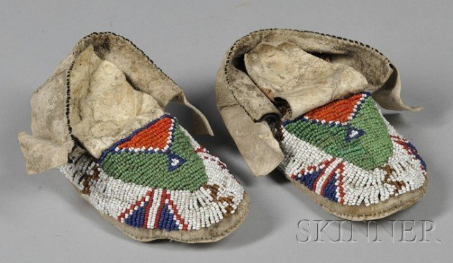 501: Pair of Native American Plains Childs Moccasins an