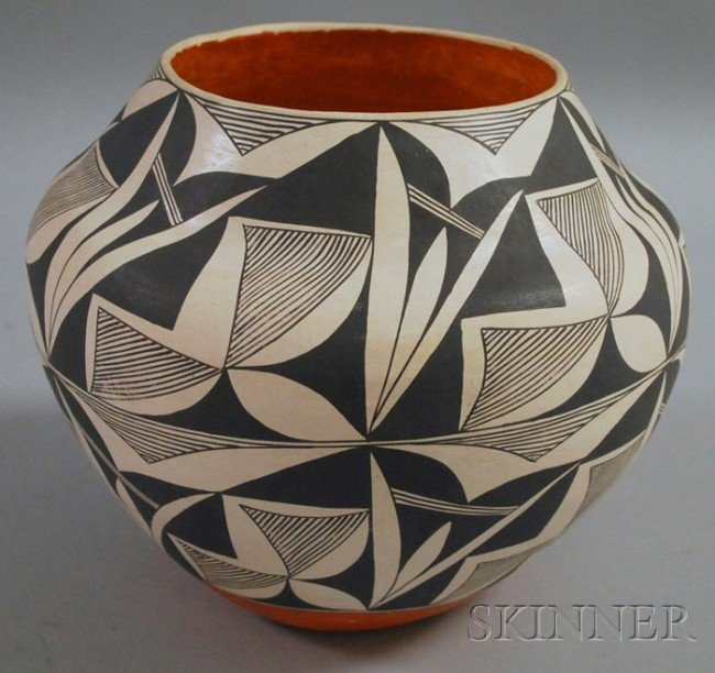 515: Emma Chino Signed Acoma Painted Pot, ht. 8 in.
