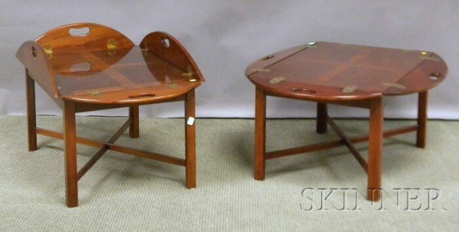 520: Pair of Chippendale-style Mahogany Butler's Tray T