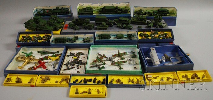 139: Collection of Dinky Toy Meccano Military Vehicles