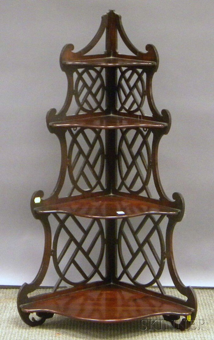 520: Georgian-style Mahogany Four-tier Hanging Corner W