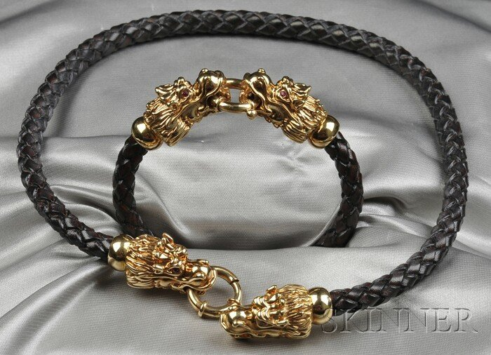 7: 18kt Gold Dragon's Head Necklace and Bracelet, the n