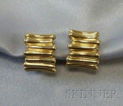 17: 18kt Gold Earpendants, Tiffany & Co., 2002, each de