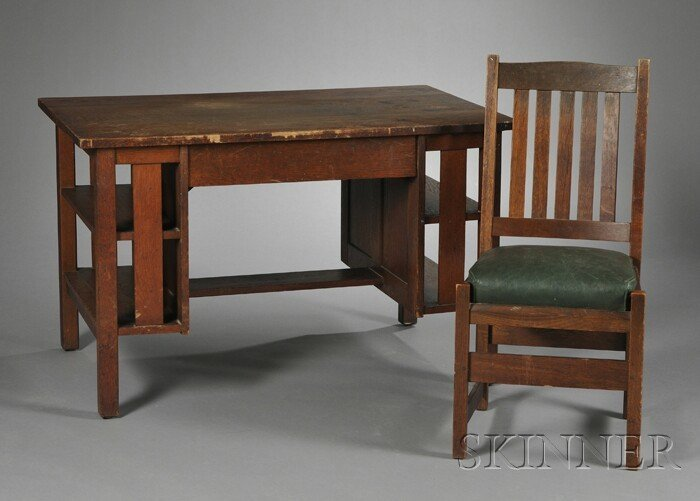 5: Arts & Crafts Desk and Chair Oak New York, early 20t