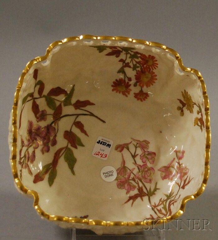1243: Royal Worcester Gilt Square Leaf and Basket-form