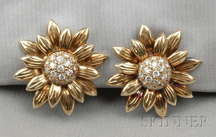 23: 18kt Gold and Diamond Sunflower Earclips, each with