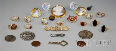 523 Small Group of Assorted Jewelry including a shell