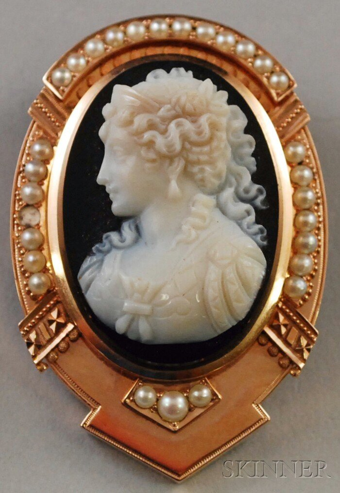643: Antique 14kt Gold and Seed Pearl-mounted Carved Ca