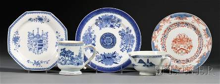 798 Five Assorted Chinese Export Porcelain Table Items