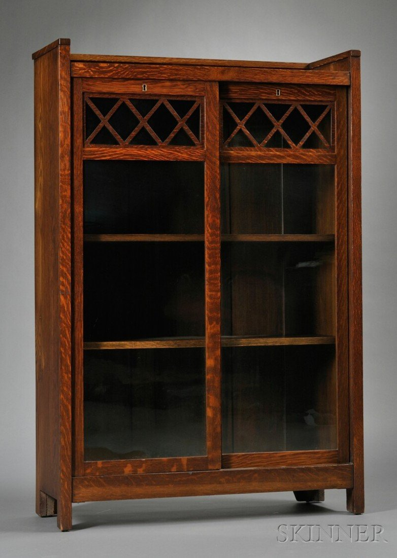 Arts & Crafts Movement Bookcase Oak and glass United St