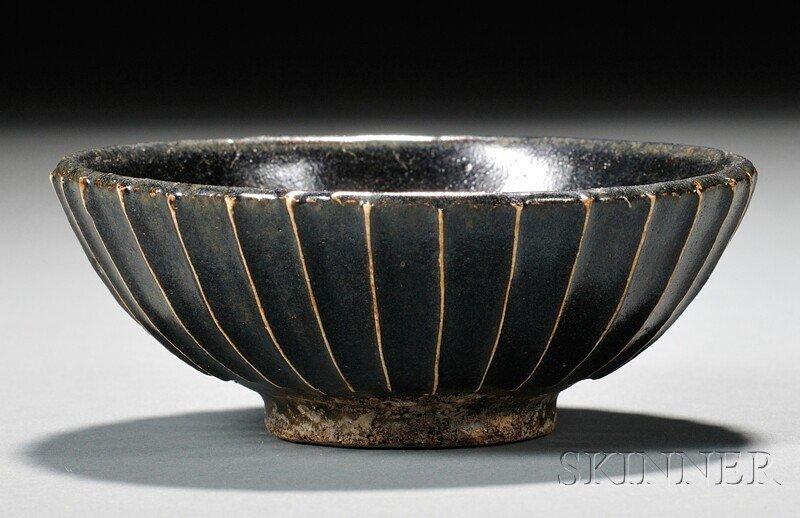 561: Stoneware Bowl, China, possibly Northern Sung peri