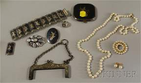 207: Group of Pearl and Sterling Silver Jewelry, includ