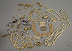 262 Large Group of Pearl Costume Jewelry including ne