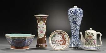 445: Five Porcelain Items, China, teapot, hexagonal bow