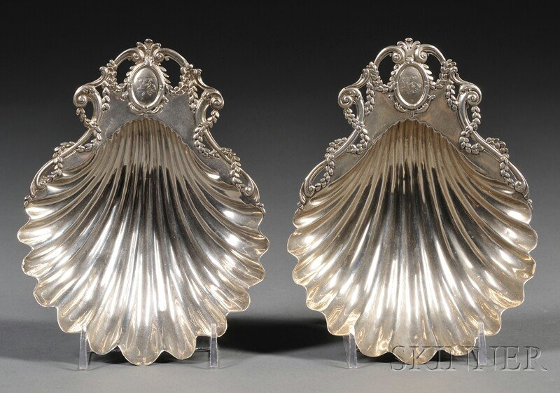 16: Pair of George III Silver Shell-form Dishes, London