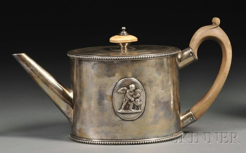 19: George III Silver Teapot, London, 1779, Andrew Foge