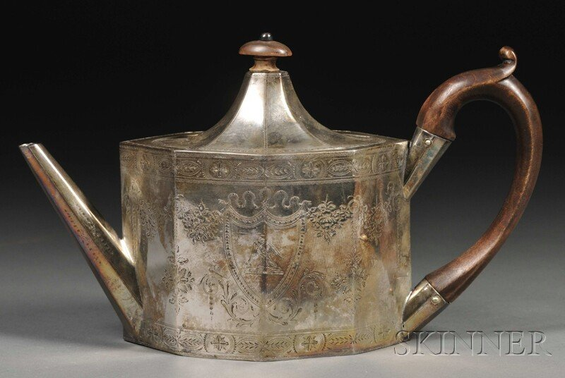 20: George III Silver Teapot, London, 1789, Hester Bate