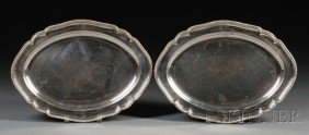 23: Pair of George III Silver Platters, London, 1795, m