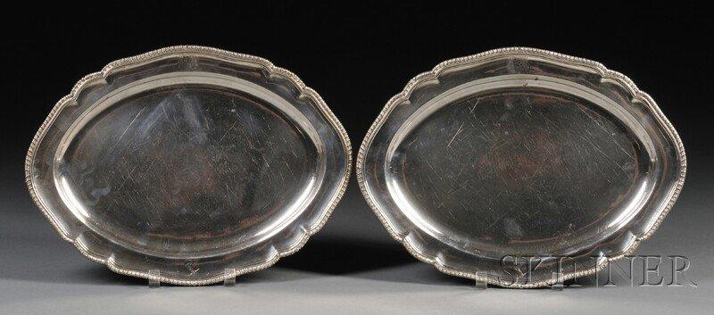 23: Pair of George III Silver Platters, London, 1795, m
