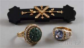 239 Three Jewelry Items a 14kt gold and carved jadeit