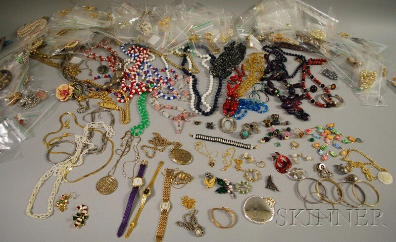 370: Large Group of Costume Jewelry, including beaded n