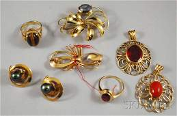 425A: Small Group of Assorted 18kt Gold Gem-set Jewelry