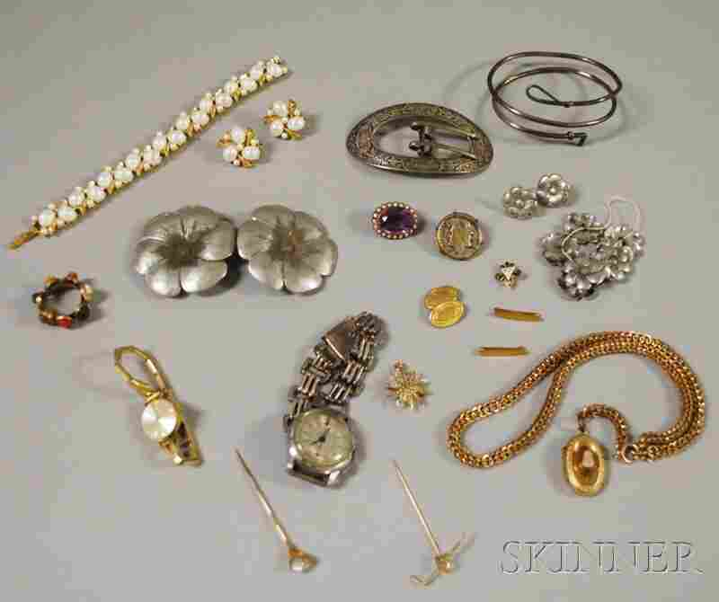 479: Small Group of Assorted Jewelry, including a Trifa