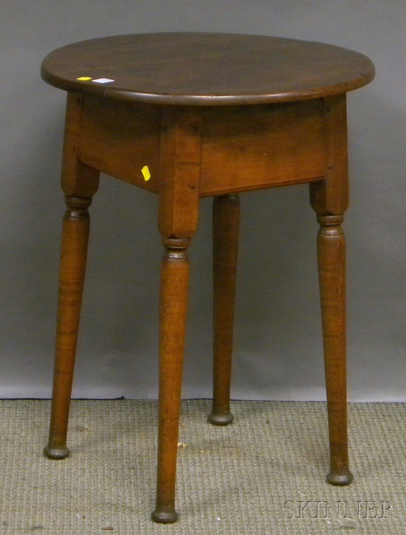 614: Queen Anne Oval Maple Tea Table with Splayed Legs,
