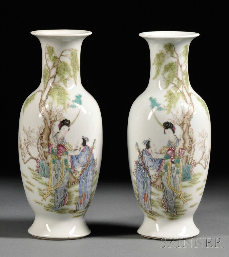Pair of Famille Rose Vases, China, 19th/20th century, b