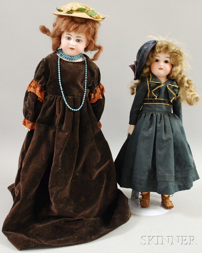 5: Two German Bisque Shoulder Head Dolls, AM 370, brown
